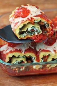 Clean Eating Pizza Lasagna Rolls