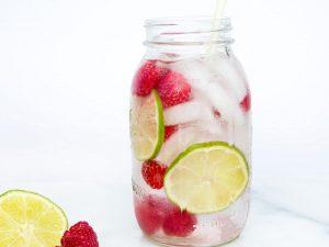 Raspberry lime detox water