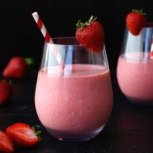 strawberry coconut milk smoothie